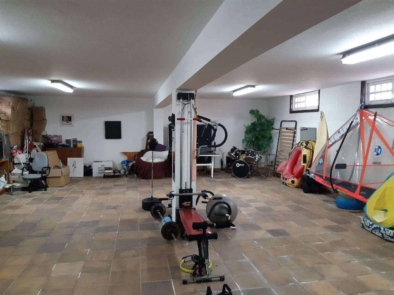 EN VENTA FABULOSO Y GRAN CHALET A 300 METROS DE LA PLAYA DE SESELLE, ARES ( A CORUÑA)